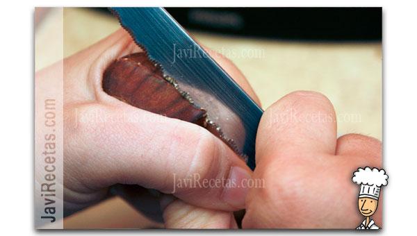Corte de las Castaña con Cuchillo