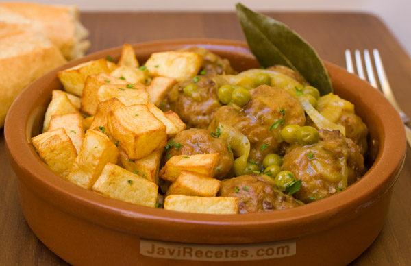 Argentinos en salsa albondigas de carne de tomate cocineros