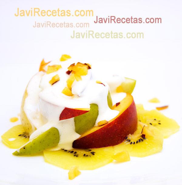 Ensalada de Frutas con Yogur y Queso