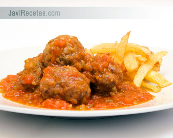 Albóndigas con Tomate a la Italiana