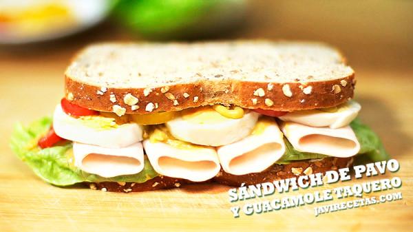 Sandwich de Pavo, Huevo y Guacamole Taquero