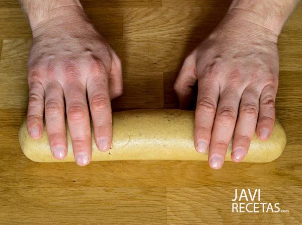 Dar forma a la masa de los roscos